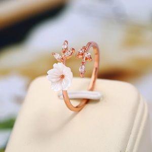 Rose Gold Dainty Flower Ring